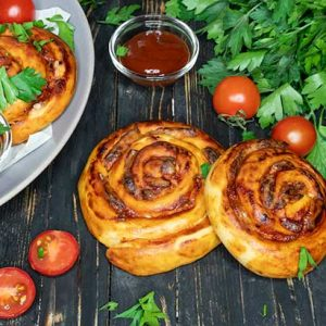 Vegan Pizza Pinwheels baked rulouri pizza