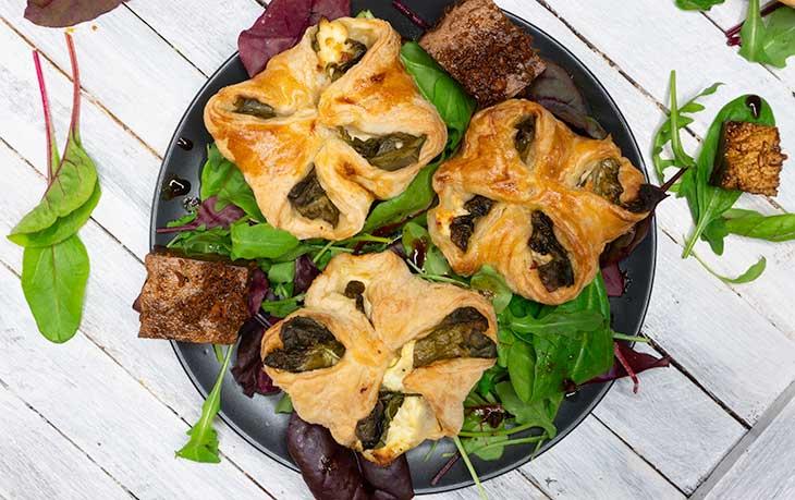 Vegan Spinach Puff Pastry pateuri cu spanac