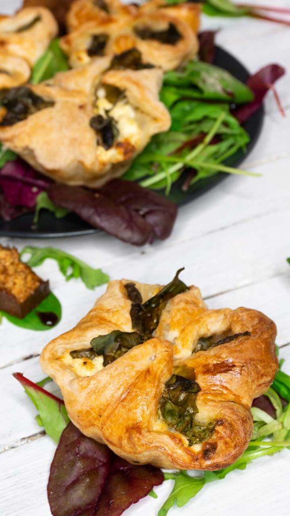 Vegan Spinach Puffs appetizer recipe pateuri cu spanac