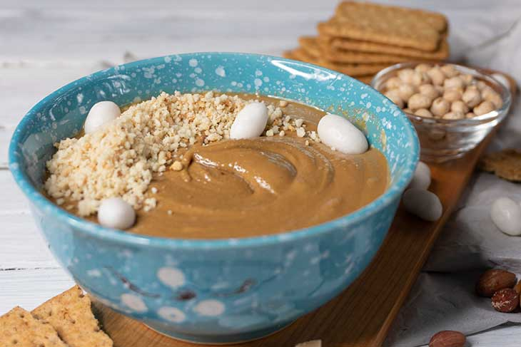 Dessert Hummus with Peanut Butter