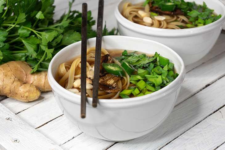 reteta supa udon vegana