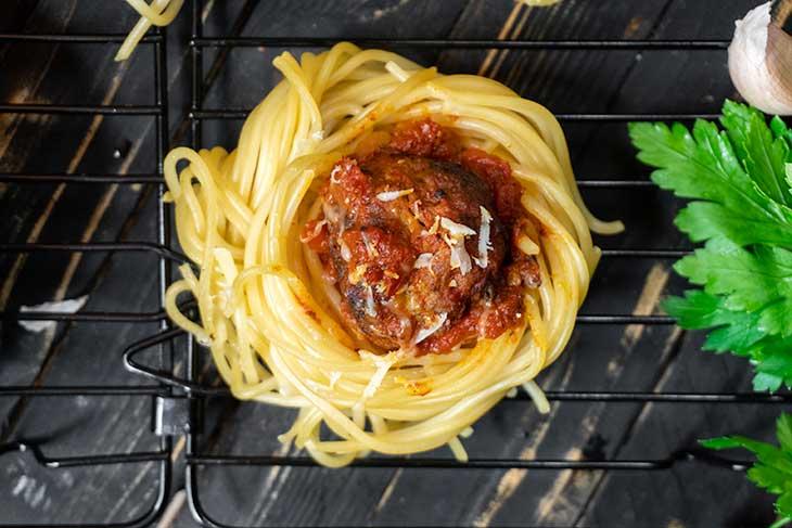 Spaghetti 'Meatball' Cups Appetizer