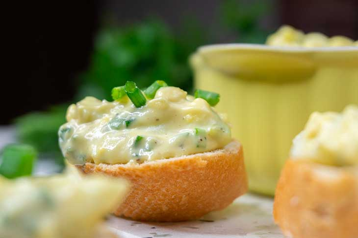 Vegan Egg Salad on bread