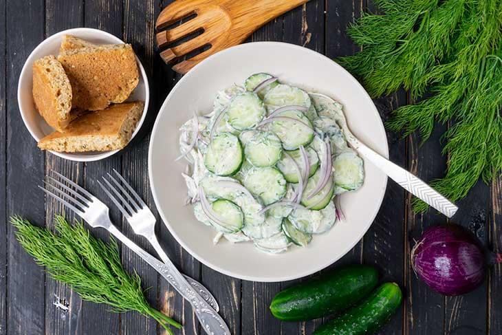 Creamy cucumber salad salata de castraveti