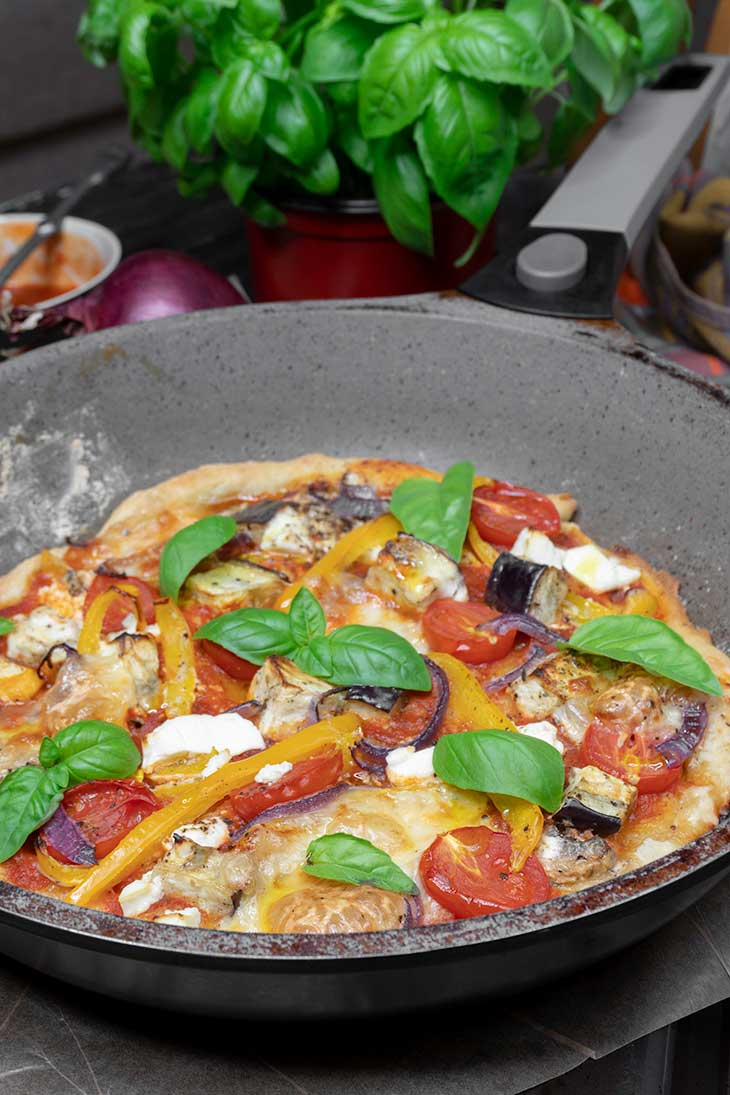 Vegan Skillet pizza at home