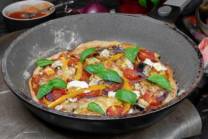 Pizza la tigaie vegana