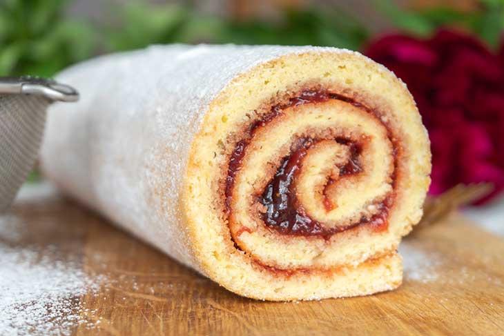 Vegan Vanilla Swiss Roll recipe