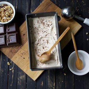 Vegan peanut butter ice cream Inghetata cu ciocolata de casa