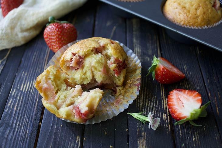 Vegan Strawberry Muffins easy