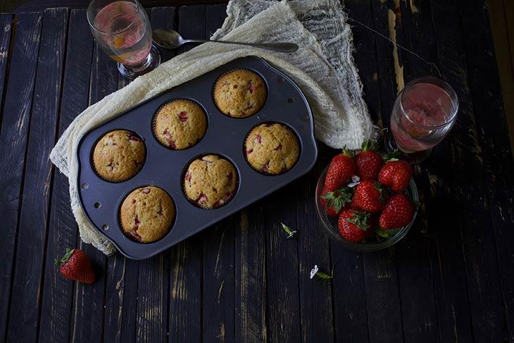Vegan Strawberry Muffins Briose cu capsuni reteta