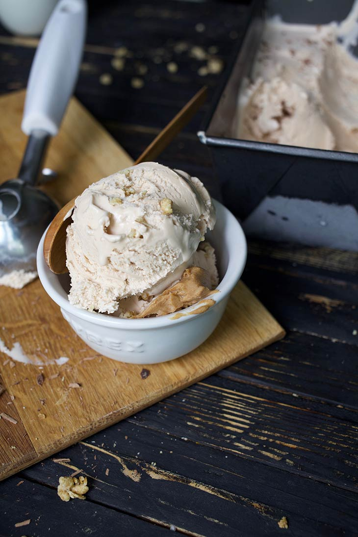 Vegan chocolate peanut butter ice cream