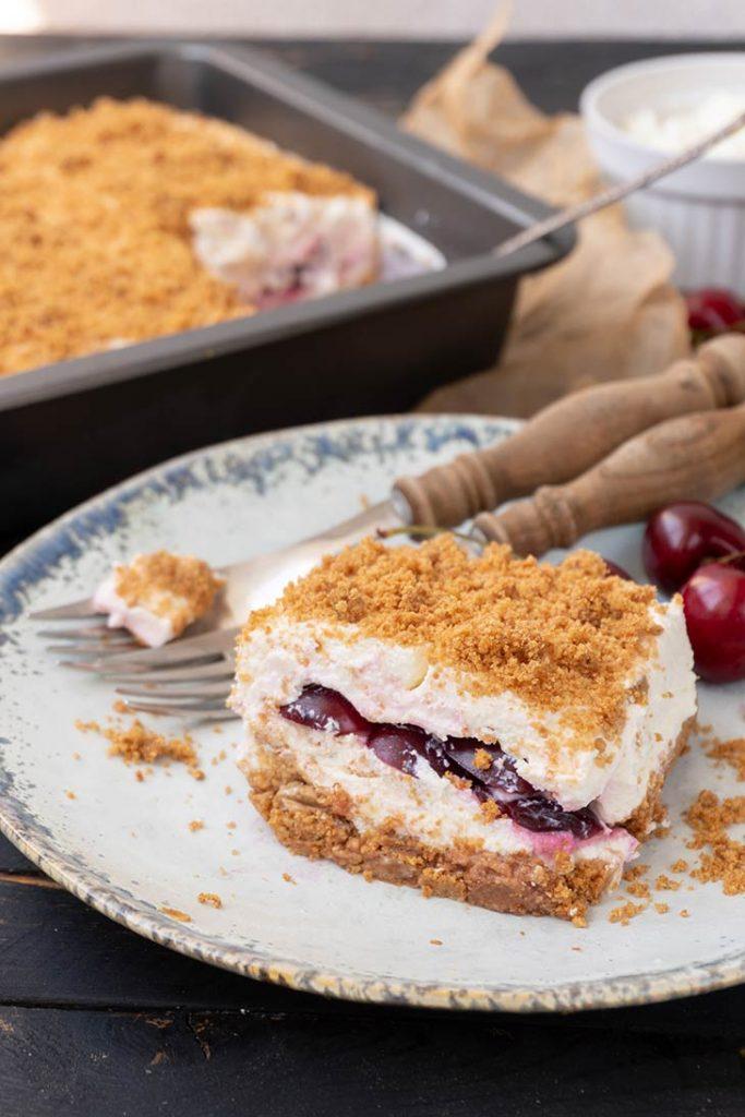 No-Bake Cherry Cake tort cu cirese reteta