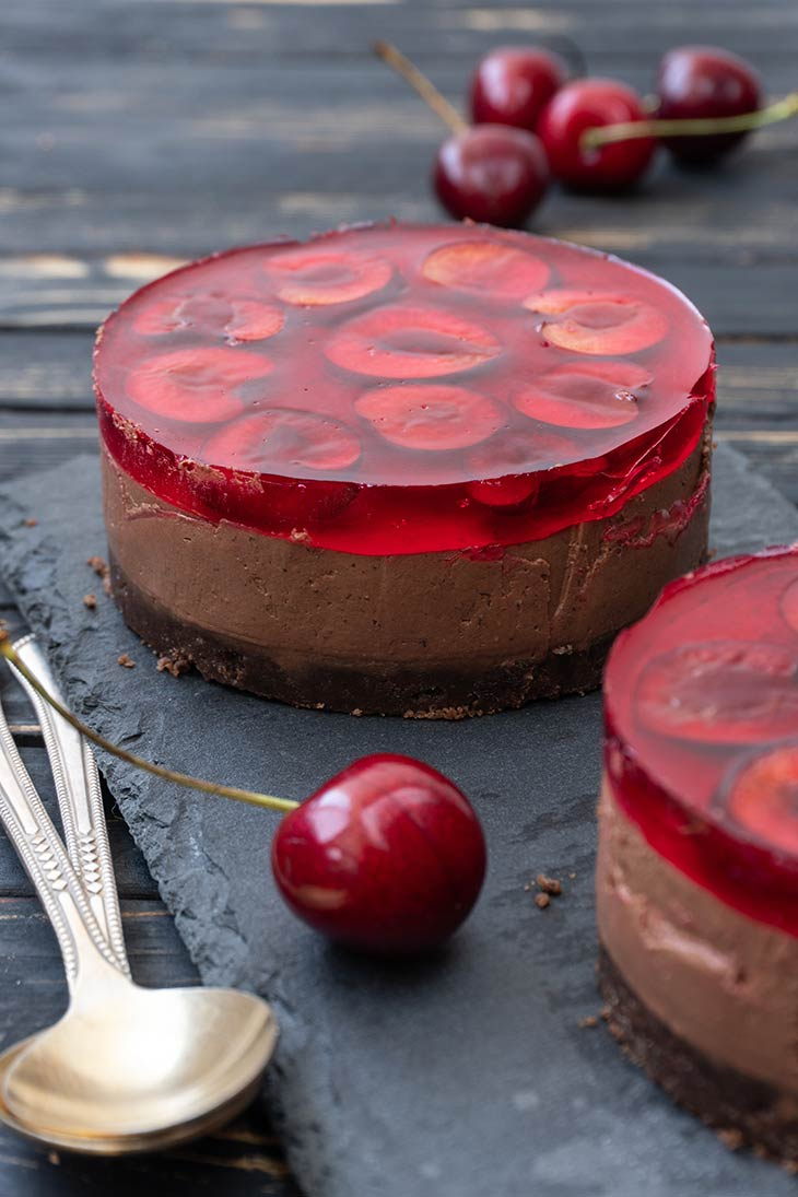 Vegan Cherry Chocolate Cheesecake summer dessert