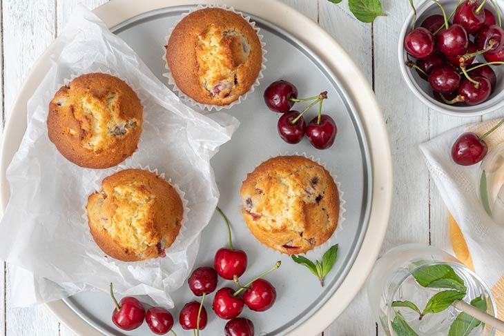 Vegan Cherry Muffins briose cu cirese desert
