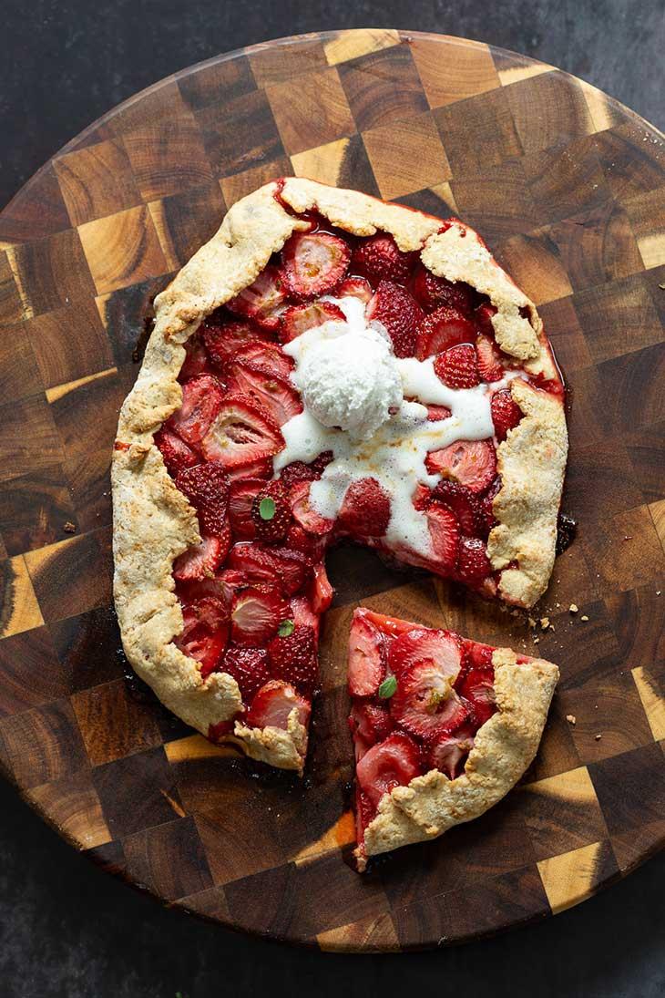 Vegan Strawberry Galette No Oil
