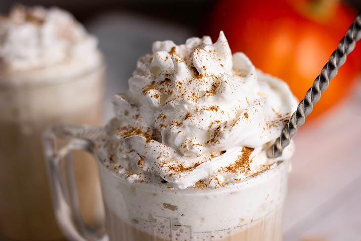 Homemade vegan pumpkin spice latte recipe