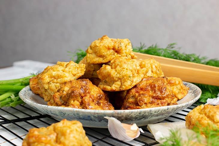 Biscuiti sarati fara gluten vegani cu usturoi