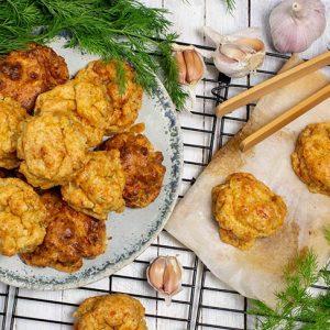 Gluten-Free Vegan Garlic Cheesy Biscuits Biscuiti sarati vegani cu usturoi