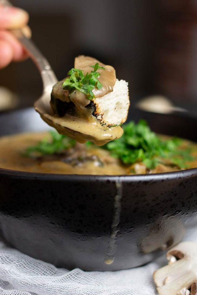 Mixed Mushroom Soup Supa cu mix de ciuperci reteta
