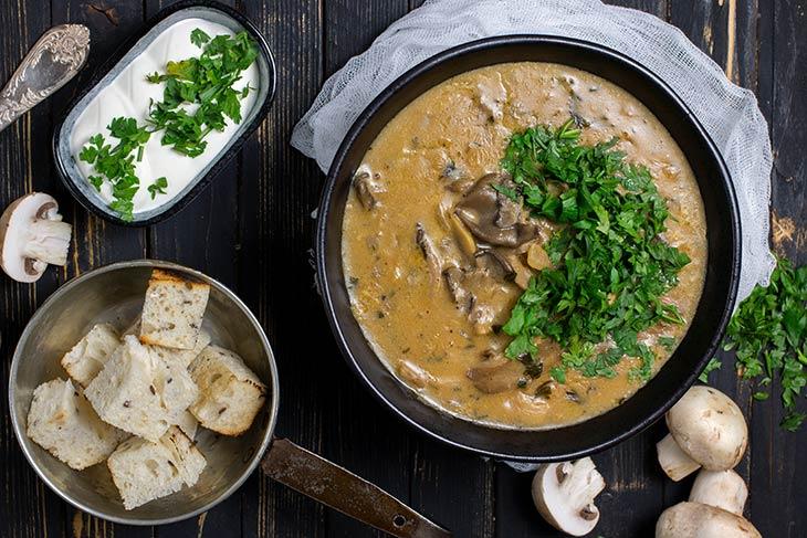 Mixed Mushroom Soup Supa cu mix de ciuperci
