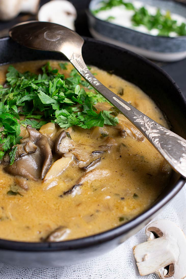 Mixed Mushroom Soup Vegan Recipe Supa cu mix de ciuperci