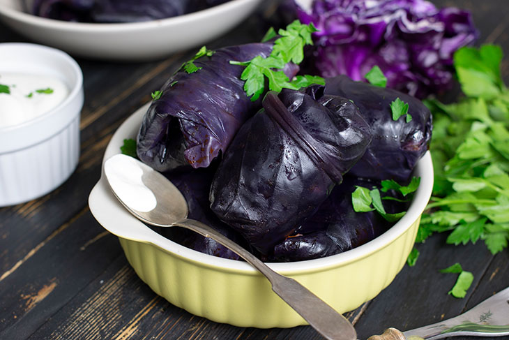 Stuffed Red Cabbage Rolls Dolmas