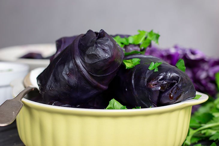 vegan Stuffed Red Cabbage Rolls