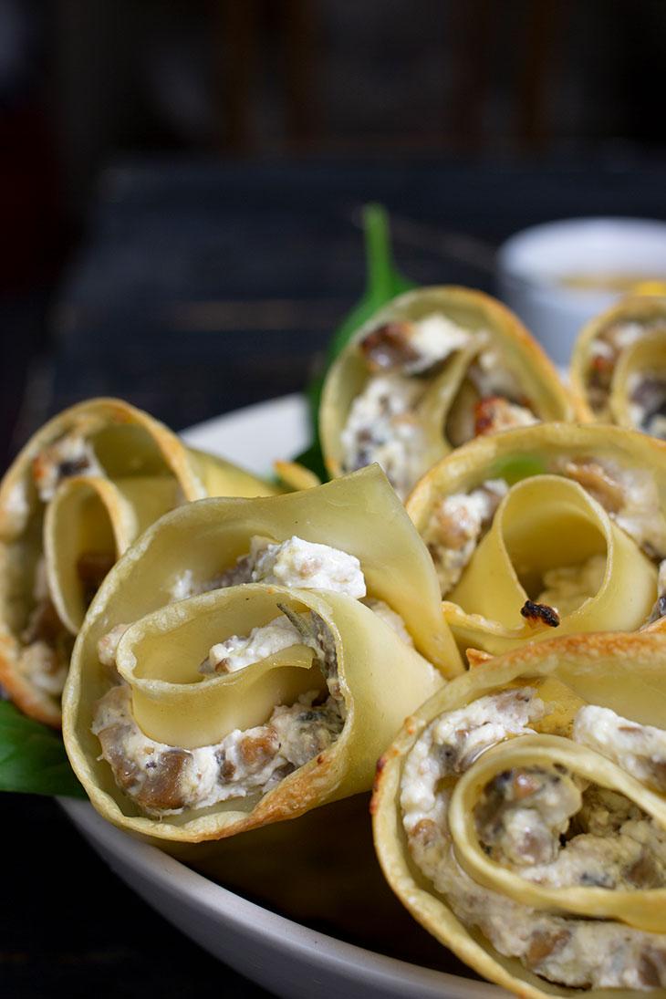 Rulouri de lasagna cu ciuperci de post