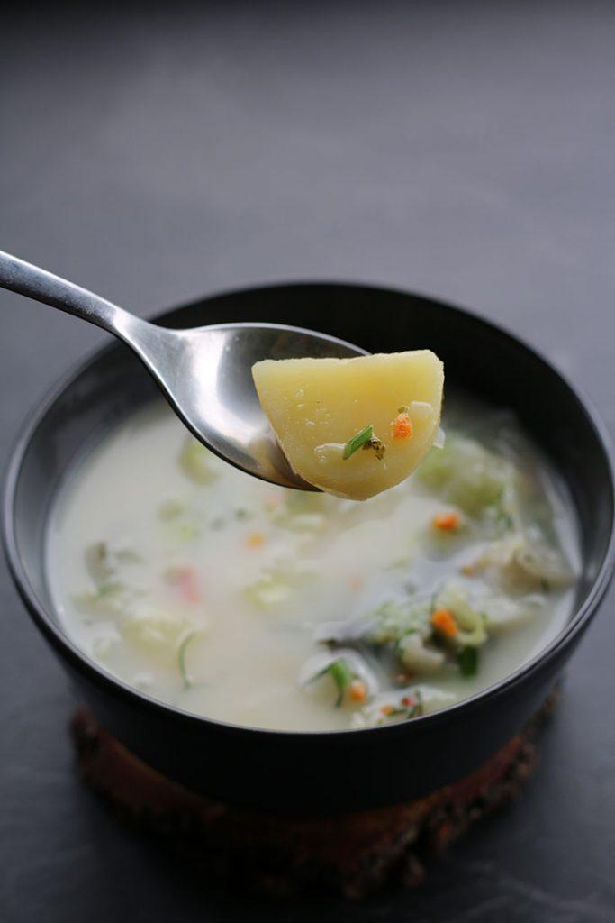 Potato Cabbage Soup Ciorba de varza cu cartofi