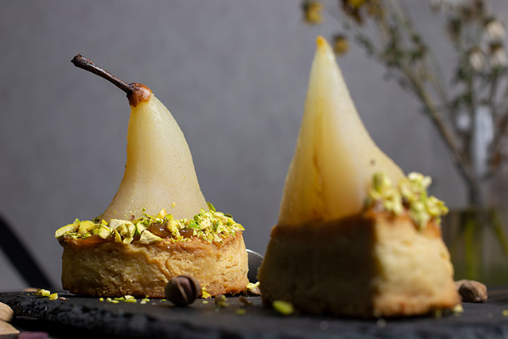 White Wine Poached Pears with Vanilla-Pistachio Blondie Recipe