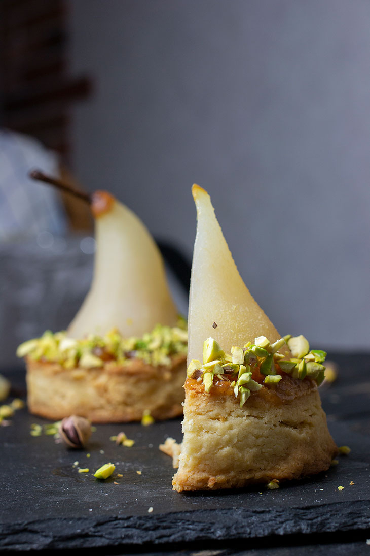 Wine Poached Pears with Vanilla-Pistachio Blondie