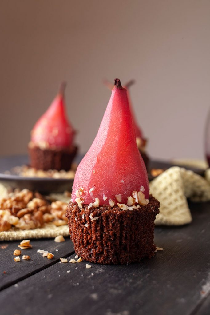 how to poach pears pere posate in vin rosu