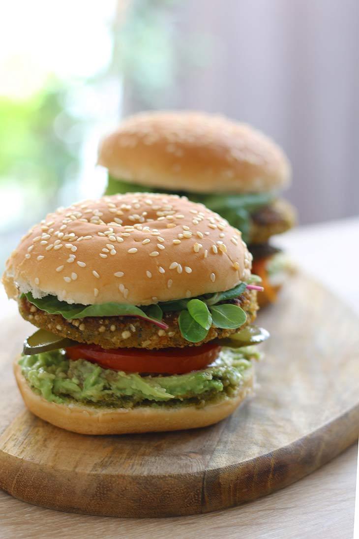 vegan Broccoli-Quinoa Burger