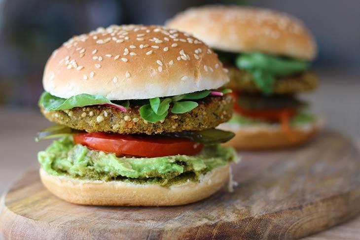 how to make Broccoli-Quinoa Burger