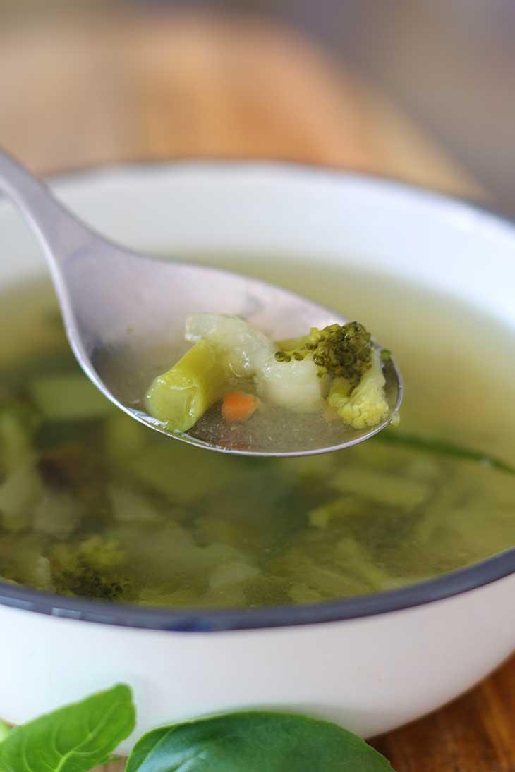 Clear Broccoli Soup Recipe vegan