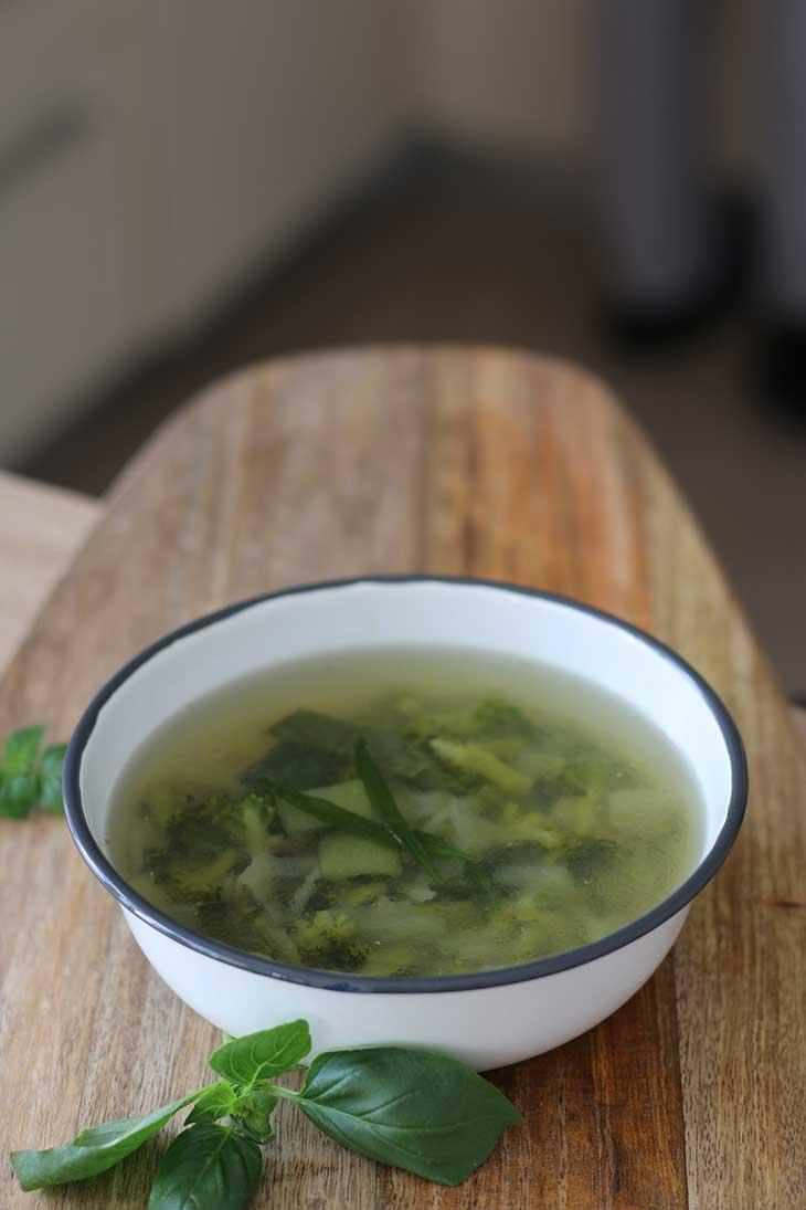 Supa vegana cu broccoli