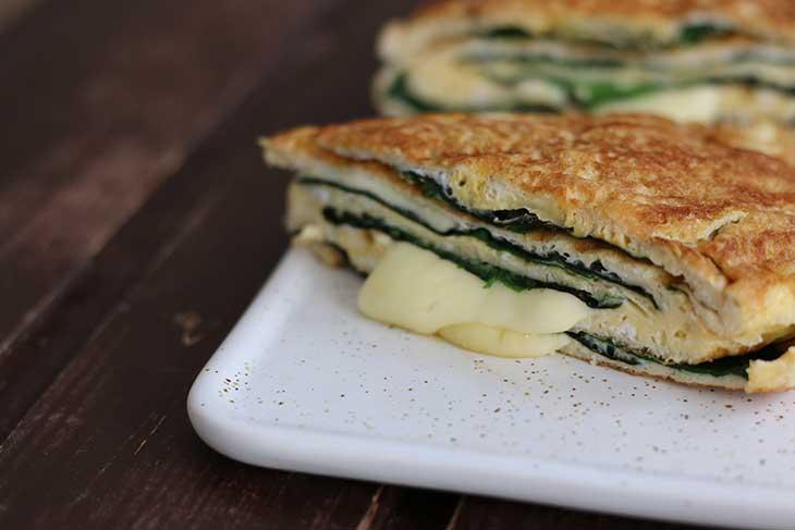 Cheesy Vegetarian Keto Omelette