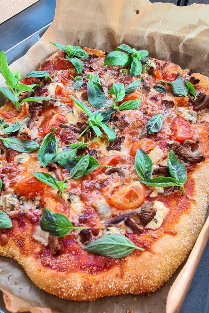 how to make Artichoke Mushroom Pizza