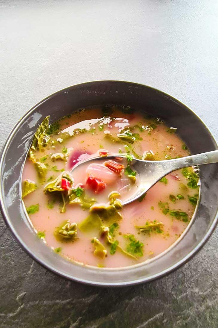 beet leaves soup