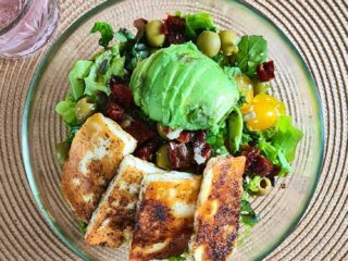 best grilled halloumi salad with avocado salata cu halloumi.jpg