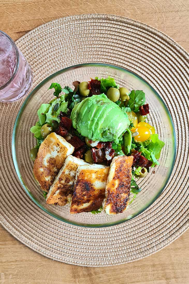 best grilled halloumi salad with avocado